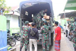Pasca Kebakaran, Satgas Yonif RK 744 Berikan Bantuan Ke Ponpes Al-Muhajirin Atambua