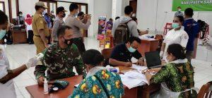 Dandim 1712/Sarmi Bersama Muspida Kabupaten Sarmi Penerima Pertama Vaksin Covid-19