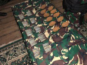 Gunakan Metal Detector, Satgas Yonarhanud 16 Temukan Munisi dan Granat di Hutan Lumbis