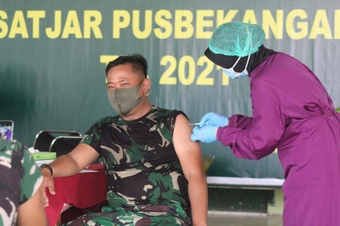 Personel Pusbekangad Vaksinasi Serentak Tahap 1