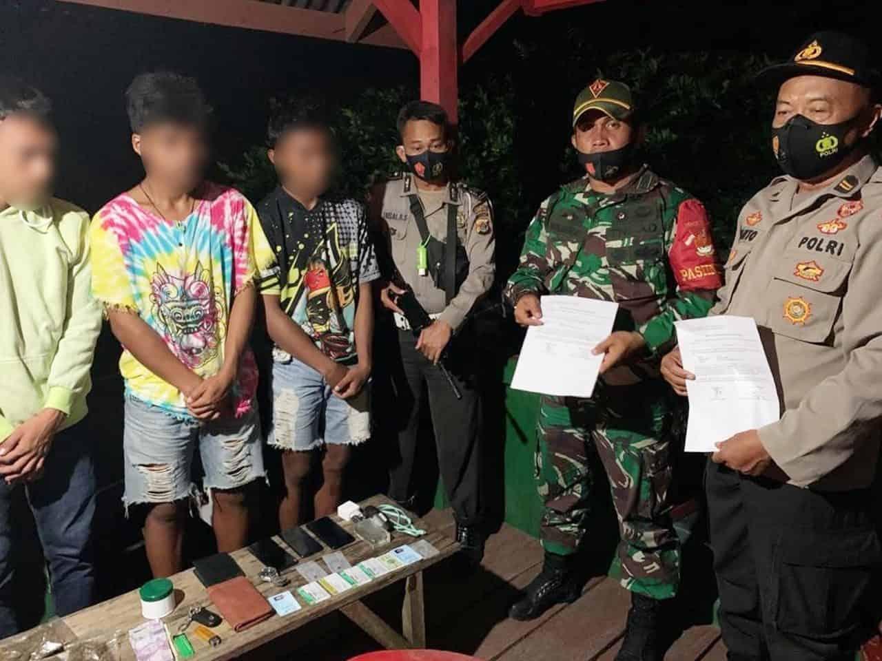Satgas Yonif 131 Amankan Pembawa Paket Ganja di Papua