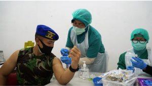 Vaksinasi Perdana Personel Puspomad