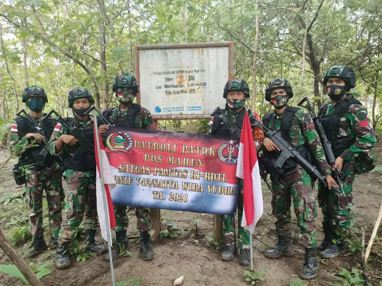 Jaga Kedaulatan Negara, Satgas Yonif 742 Cek 544 Patok Perbatasan RI-RDTL