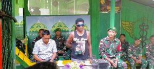 Satgas Yonif 512/QY Rangkul Tokoh Adat Dua Kampung di Papua