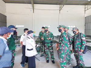 Cegah Penyebaran Covid-19, Satgas Yonif 642 Awasi Kepulangan PMI dari Malaysia