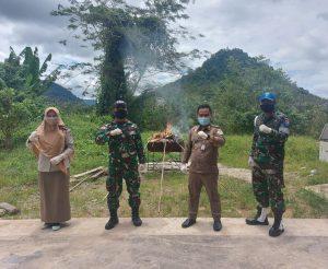 Satgas Yonif 642 Bersama Karantina Entikong Musnahkan MP HPHK dan OPTK Asal Malaysia