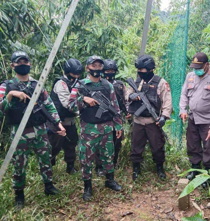 Satgas Pamtas Yonif 642/Kps Laksanakan Patroli Gabungan Bersama Polri di Perbatasan