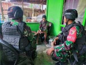 Satgas Yonif 512 Pererat Persaudaraan Dengan Masyarakat Papua