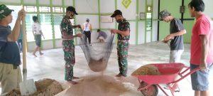 Jelang Bulan Suci Ramadhan, Satgas Yonif 407/PK Karya Bakti Pemasangan Keramik Masjid