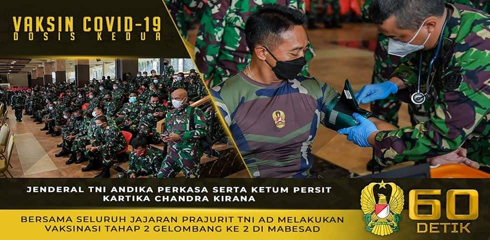 Jenderal TNI Andika Perkasa Bersama Ibu Hetty Andika Perkasa Melakukan Vaksinasi Covid-19 Tahap 2