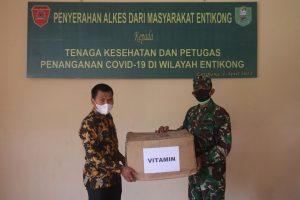 Dukung Program Vaksinasi Nasional, Satgas Yonif 642 Bantu Distribusi Alkes