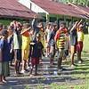Jadi Guru Dadakan, Satgas Yonif 403/WP Ajak Anak-Anak Papua di Perbatasan Rutin Berolahraga