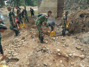 Gunakan Teknologi Reverse Osmosis, Zeni TNI AD Distribusikan Air Siap Konsumsi Bagi Warga Terdampak Bencana Bima