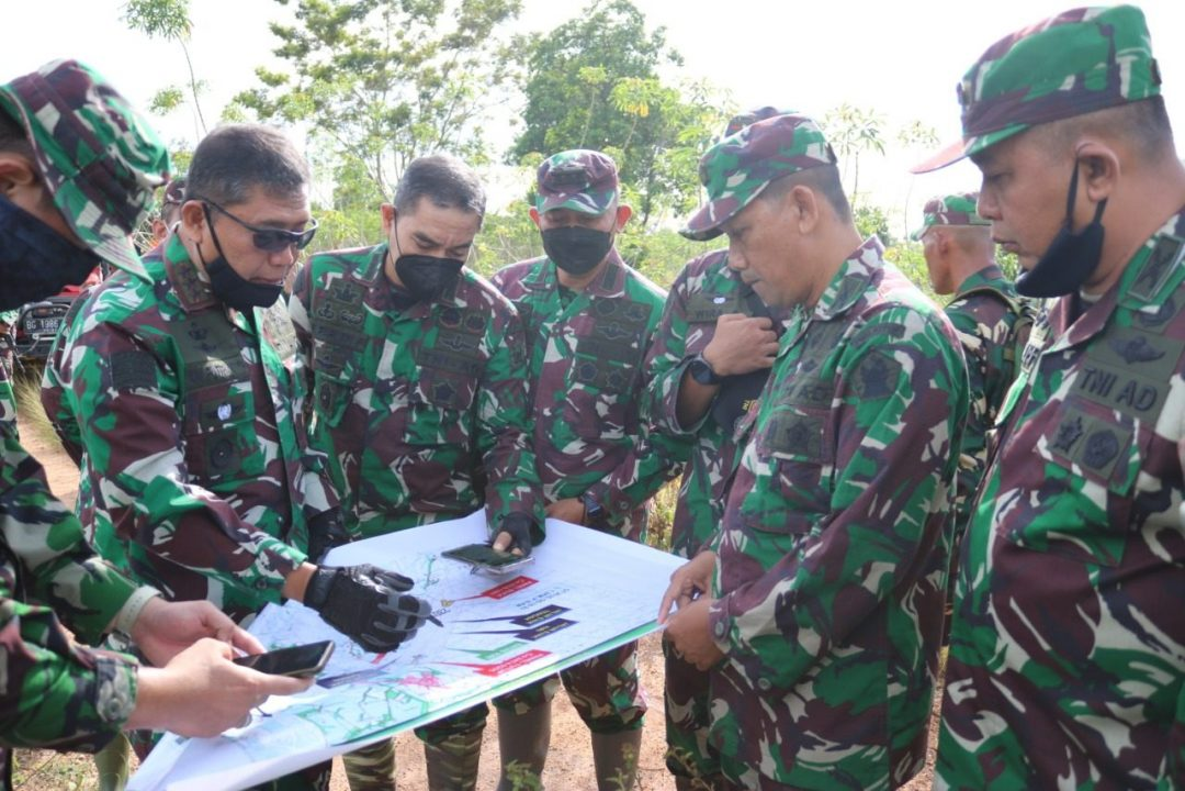 Dankodiklatad meninjau kesiapan Latma Garuda Shield 15/2021