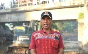 Warga Desa Woro Apresiasi Kinerja Satgas Zeni TNI Perbaiki Jembatan di Desanya