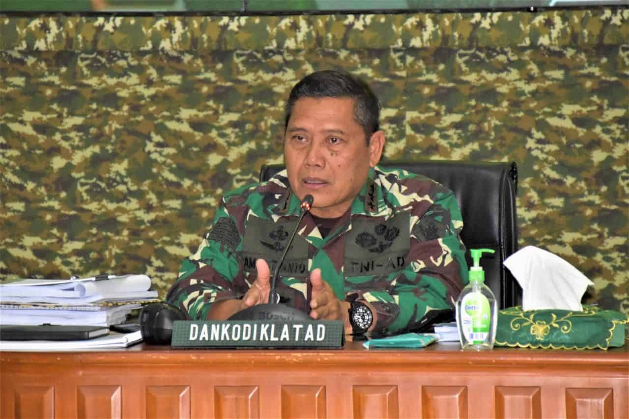 Komandan Kodiklat TNI AD Pimpin Rapat Uji Naskah II Validasi Orgas Satuan Jajaran.