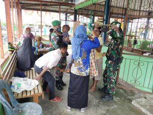Pererat Silaturahmi, Anggota Satgas Yonif 642 Ikuti Doa bersama Warga Sambut Bulan Ramadhan