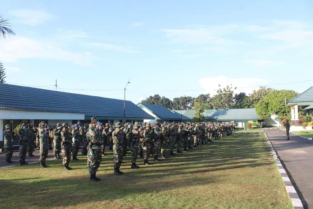 Kerahkan 300 Personel, Divif 2 Kostrad Bantu Korban Gempa Bumi di Malang