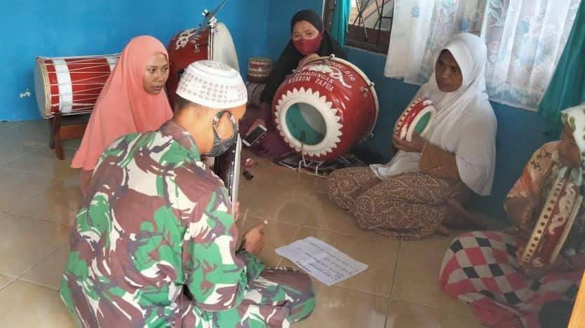 Jaga Warisan Leluhur, Satgas Yonif 512/QY Latih Al-Banjari di Keerom