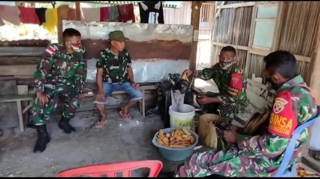 Kenalkan Mesin Perontok Jagung, Satgas Yonif 742 Tingkatkan Hasil Panen Petani