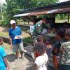 Satgas Yonif 403 Bagikan Buku dan Alat Tulis Kepada Anak-Anak di Papua