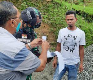 Satgas Yonif 512/QY , Cegah Peredaran Miras di Perbatasan Papua.