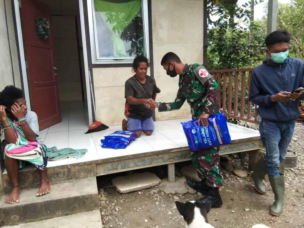 Satgas Yonif 756 Berikan Pelayanan Kesehatan Di Kampung Kiliarna Papua