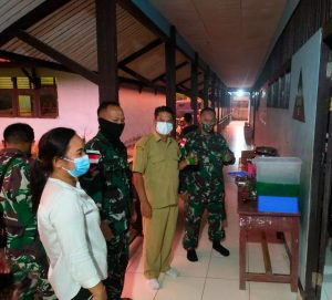 Jalin Silaturahmi, Satgas Yonif 642 Buka Bersama Guru Perbatasan
