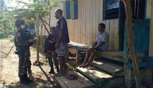 Satgas Yonif 512 Pererat Tali Persaudaraan Dengan Kepala Suku Perbatasan Papua