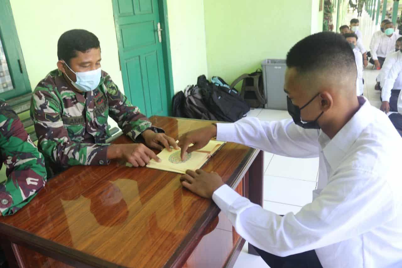 Kodim 1709 Yawa Berikan Konsultasi Kesehatan Calon Peserta Seleksi Penerimaan Prajurit TNI AD