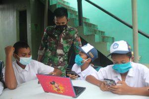 Hadirkan Wifi Corner Indihome, Satgas Yonif 131Bantu Proses Belajar Anak Perbatasan
