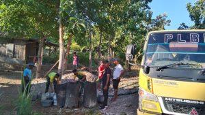 Satgas Yonarmed 6 Bantu Air bersih Kepada Warga Dusun Taledu