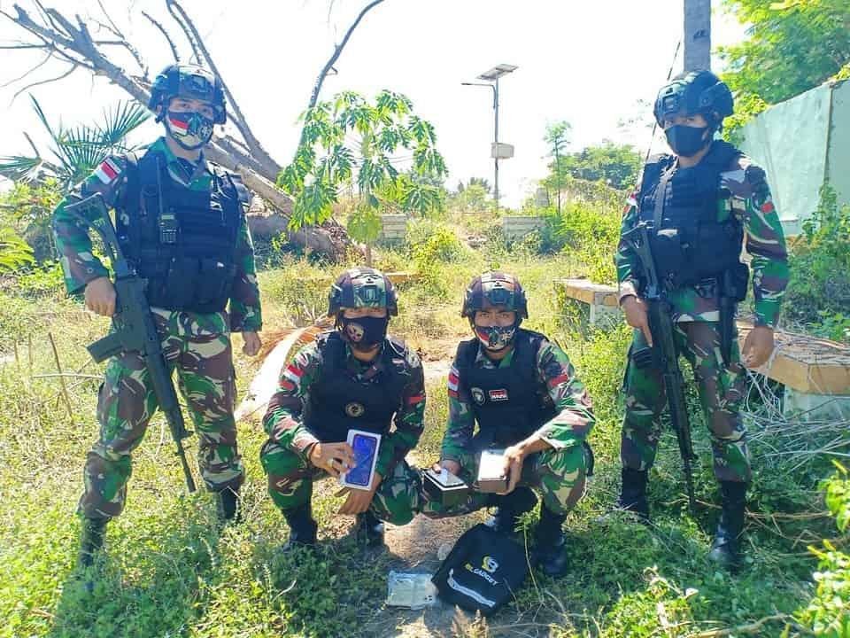 Satgas Yonif 742 Gagalkan Penyelundupan HP ke Timor Leste