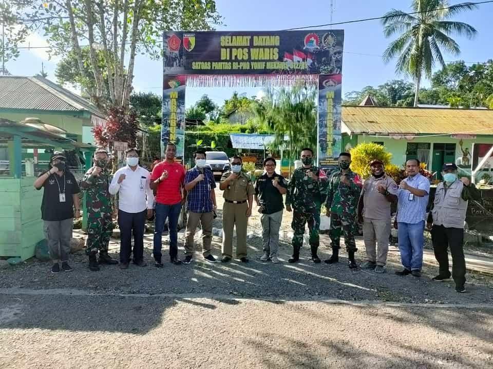 Satgas Yonif 512/QY Dampingi Tim BNPP-RI Tinjau PLBN Keerom