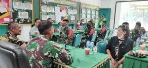 Puluhan Anak Kolong Atambua Datangi Mako Satgas Yonif 742
