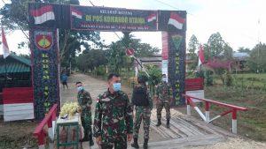 Satgas Yonif 403 Bagikan Takjil kepada Masyarakat di Perbatasan Papua