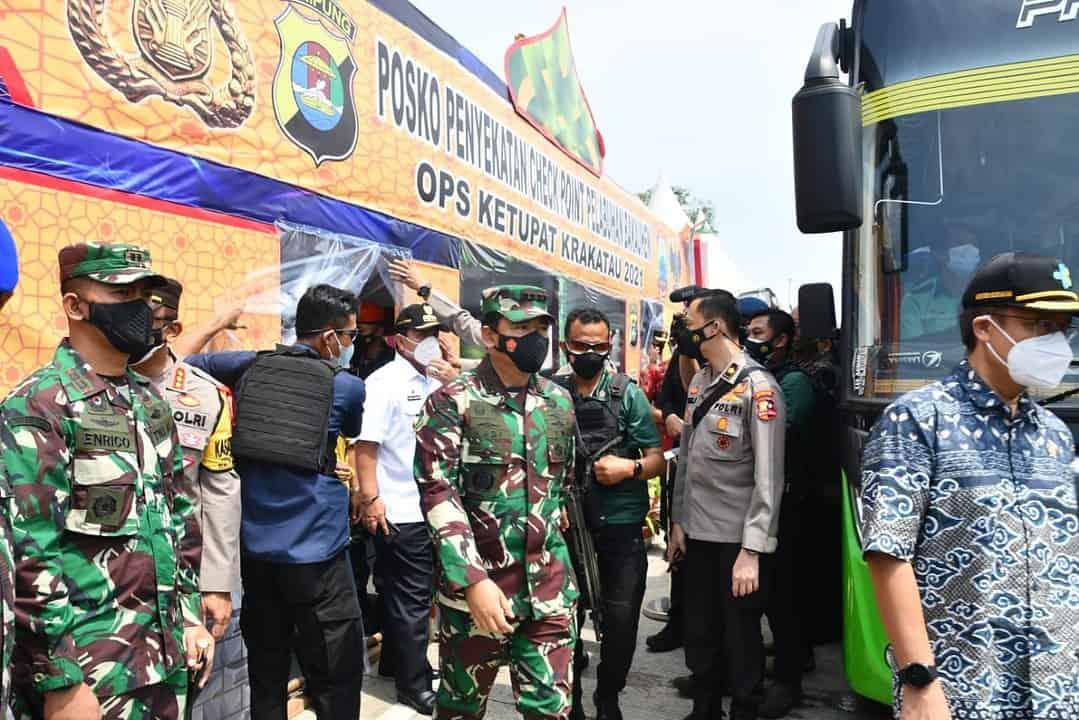Pangdam II/Sriwijaya Sambut Kunjungan Panglima TNI dan Kapolri Di Pelabuhan Bakauheni