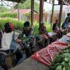 Satgas Yonif 756 Gelar Pengobatan Keliling di Kampung Woner