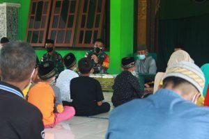 Gelar Pesantren Kilat Selama Ramadhan, Satgas Yonif 611/AWL Berikan Sertifikat