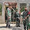 Dansatgas Pamtas Yonif 742 Cek Langsung Rehab Pos Nananoe