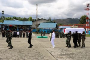 Pangdam XVII/Cenderawasih Pimpin Penghormatan Terakhir Pelepasan Jenazah Wagub Papua