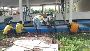 Satgas Yonif 756 Renovasi Balai Desa di Kampung Nayaro