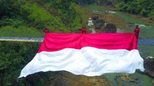 Bentangkan Jembatan Gantung Sambil Baksos di Seluruh Pelosok Nusantara