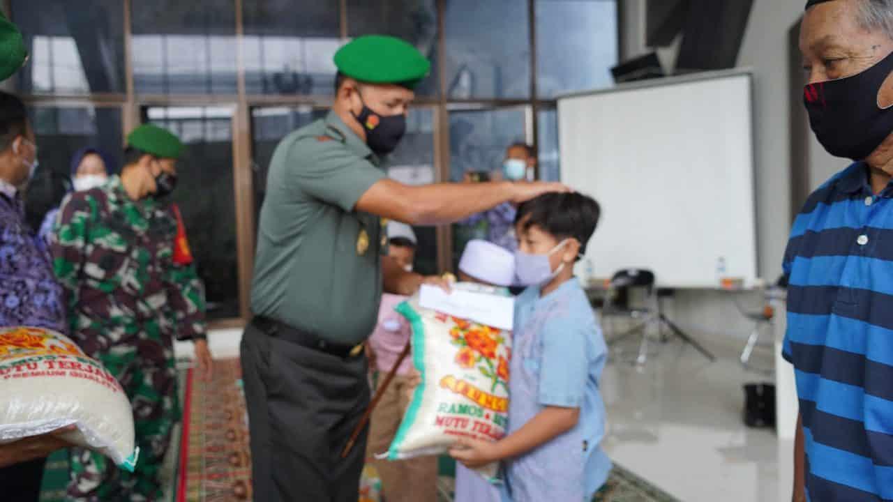 Dukungan Moril Danrem 061/Sk Santuni Anak Koban HIV/AIDS dan Autis
