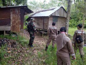 Pastikan Perbatasan Aman, Satgas Pamtas Yonif Mekanis 643/Wns Patroli Bersama Badan Karantina Pertanian