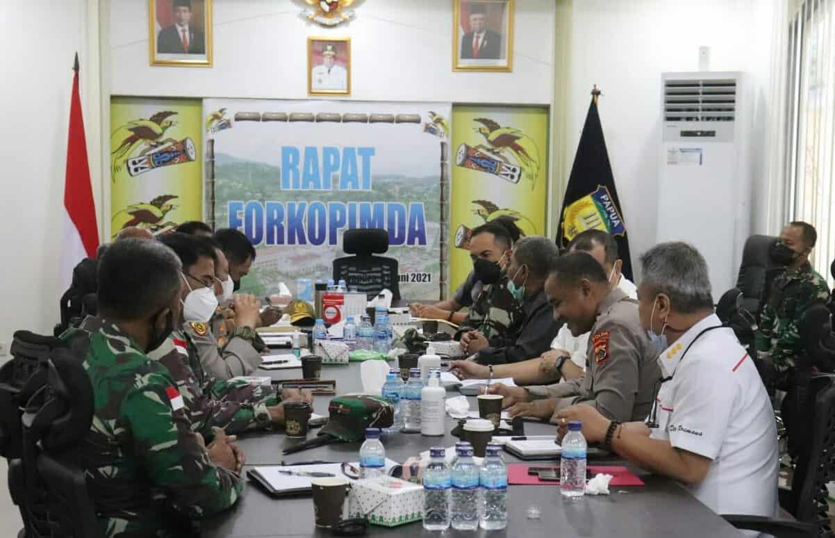 Bahas Kesuksesan PON XX, Kasdam XVII/Cenderawasih Rapat Bersama Forkopimda Papua