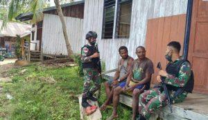Peduli Kondisi Warga, Satgas Yonif 512/QY, Kunjungi Warga Kampung Yabanda