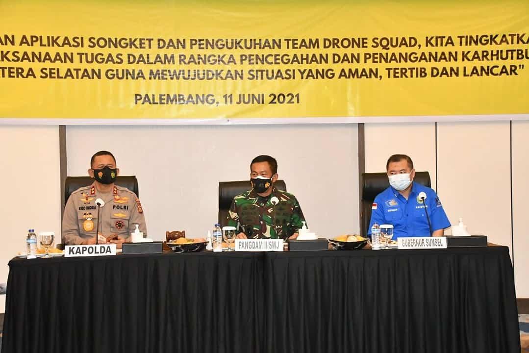 Pangdam II/Sriwijaya Buka Acara Drone Squad Karhutbunla dan Pelatihan Operator Aplikasi SongketPangdam II/Sriwijaya Buka Acara Drone Squad Karhutbunla dan Pelatihan Operator Aplikasi Songket