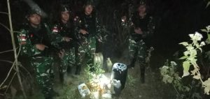 Patroli Satgas Yonarmed 6/3 Gagalkan Penyelundupan BBM Ke Timor Leste