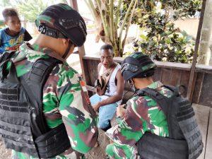 Melalui Anjangsana, Satgas Yonif 512/QY Pererat Hubungan Dengan Pemerintah Daerah di Perbatasan